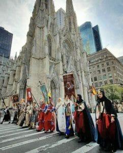 Moros y cristianos desfilan por Nueva York