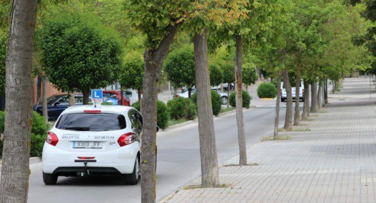 Coche de autoescuela por Almansa