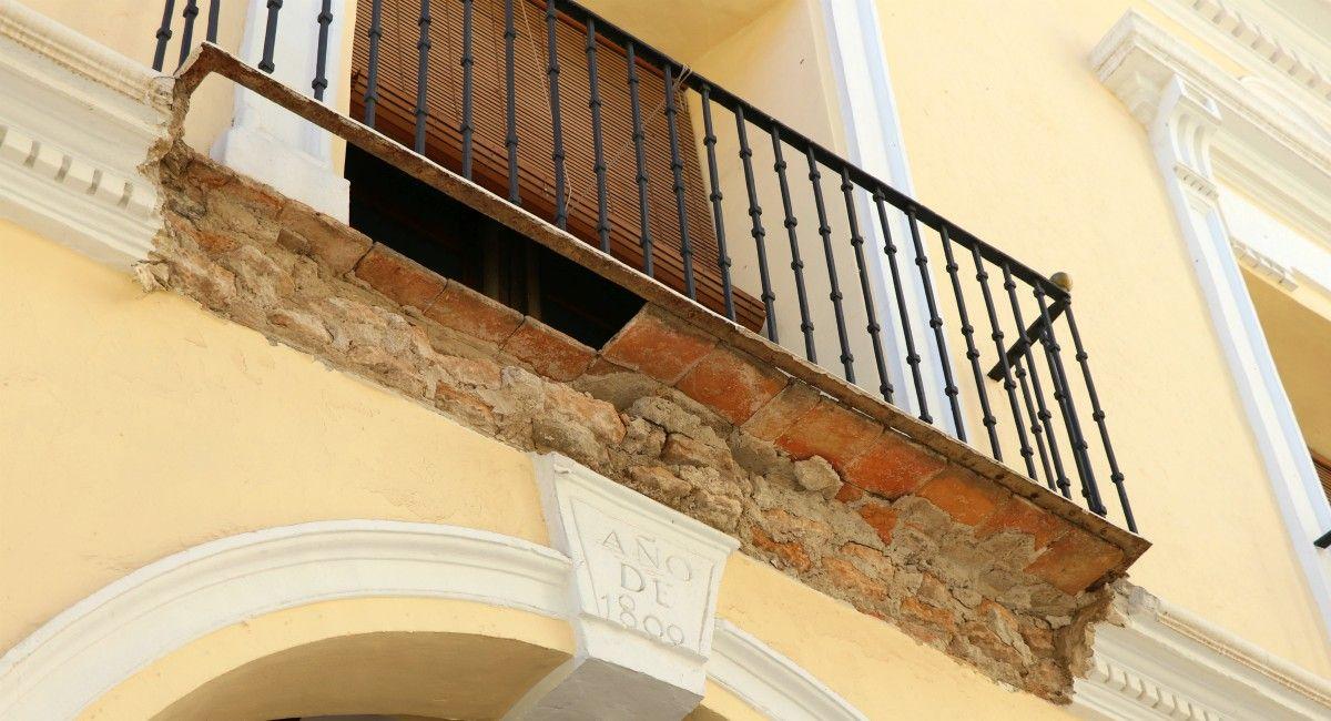 Zona afectada por el derrumbe ayuntamiento viejo almansa