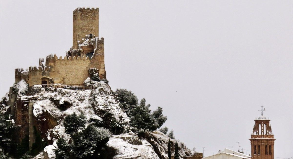 Castillo de Almansa nieve, por Ojo de Drone