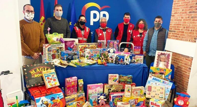 PP recogida de juguetes en Almansa