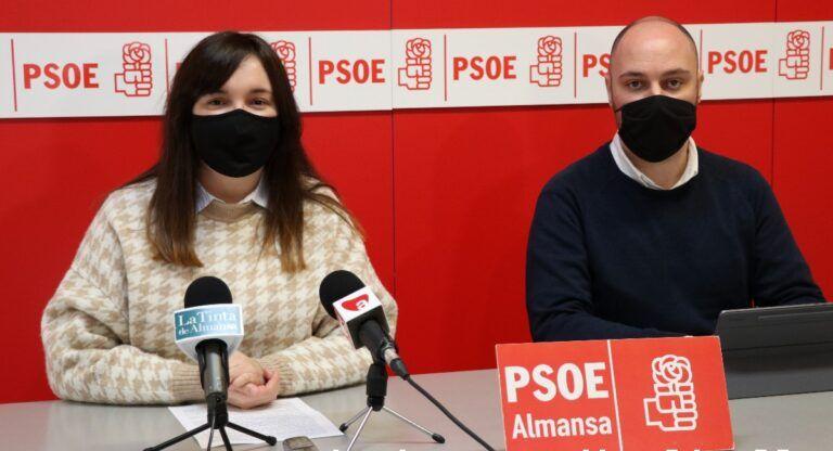 Clara López y Valero González