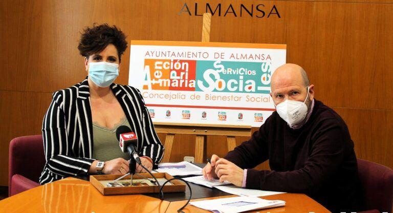 Margarita Sánchez y Andrés Candel resumen las medidas de servicios sociales en el año del COVID