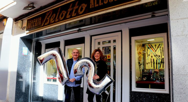 Joyería Relojería Belotto Almansa cumple 72 años
