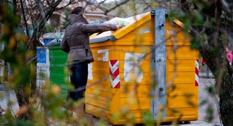 Cambios en la tasa de basuras de Almansa