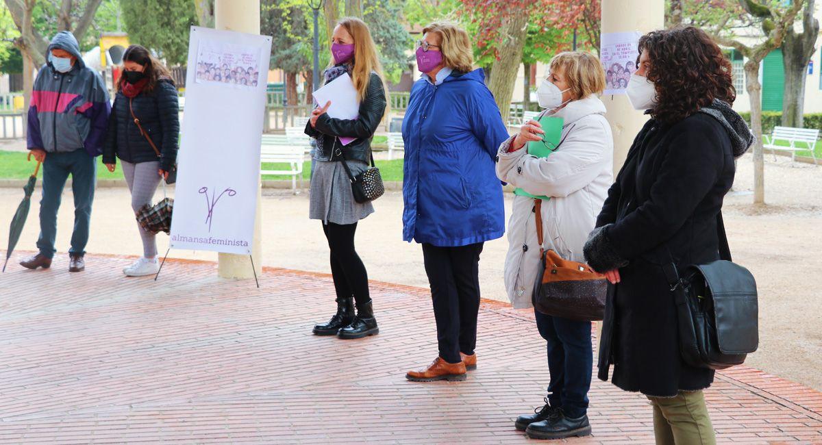 Almansa Feminista Día del Libro