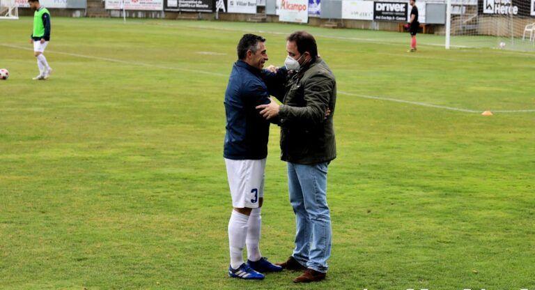 El vicepresidente regional y Paco Núñez asisten al naufragio del equipo Conquense contra la UD Almansa