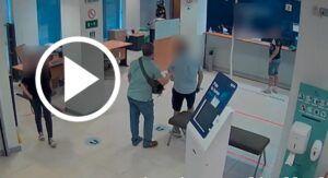 Vídeo de la detención de la persona que intentó sustraer 170.000 euros de un banco de Almansa