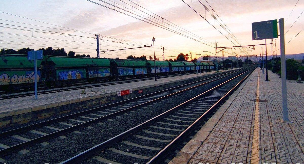 Muere un hombre arrollado por el tren en Almansa